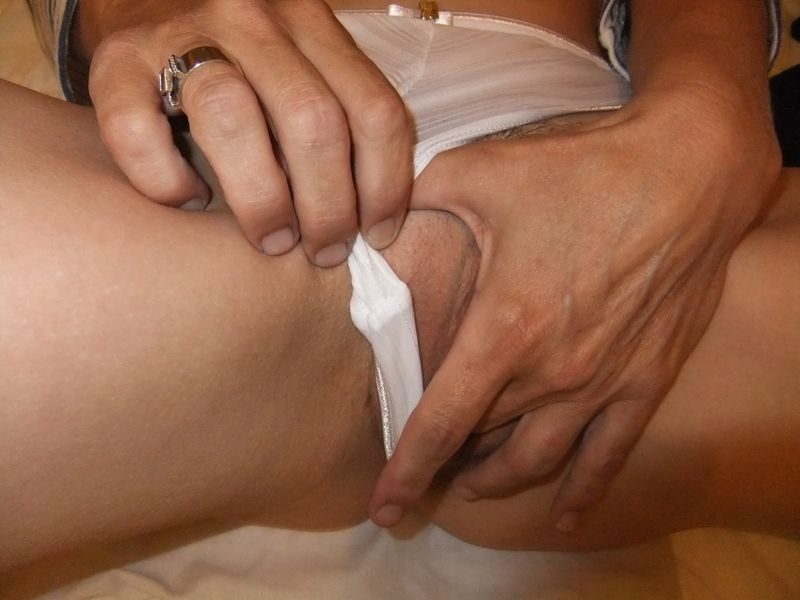 used_panties_white_stripe_2_0002