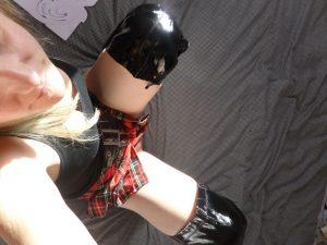 tartan-skirt-thigh-boots_0089