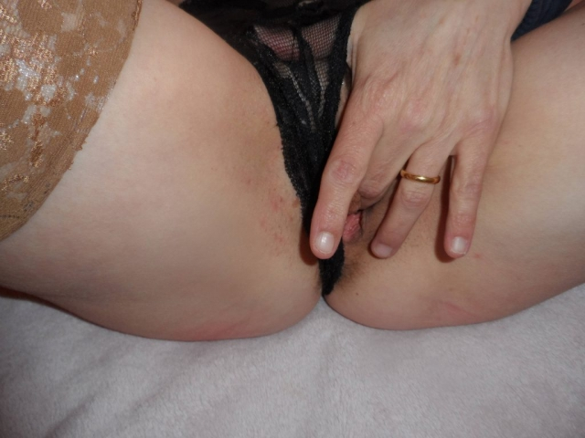 used-panties-black-lace-cum-soaked_stuffed_03
