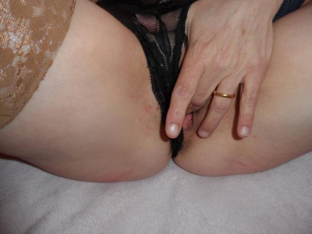 used-panties-black-lace-cum-soaked_stuffed_03
